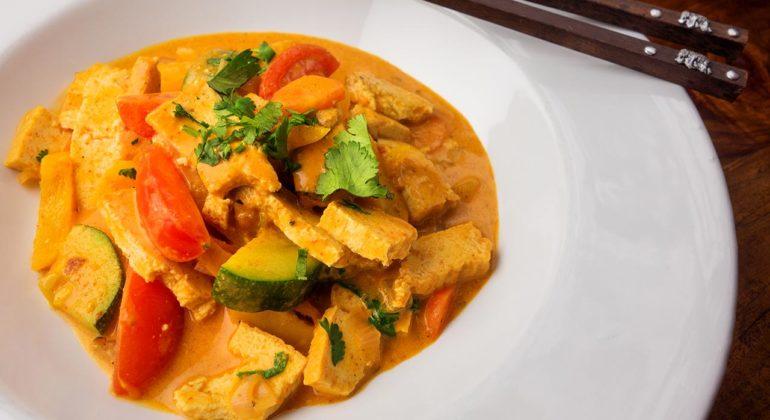tofu al curry con salsa di soia